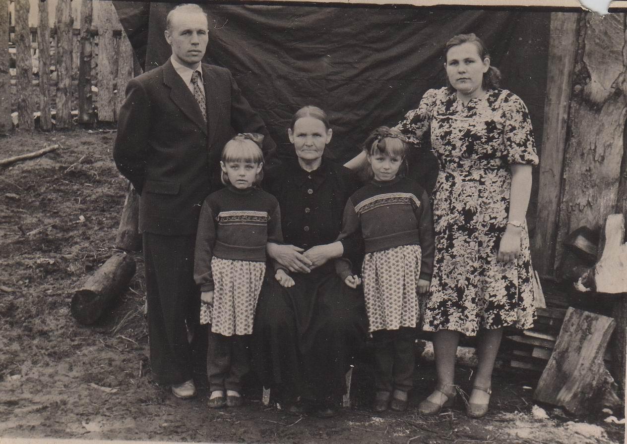 Фото старой бабушки 6 фотография